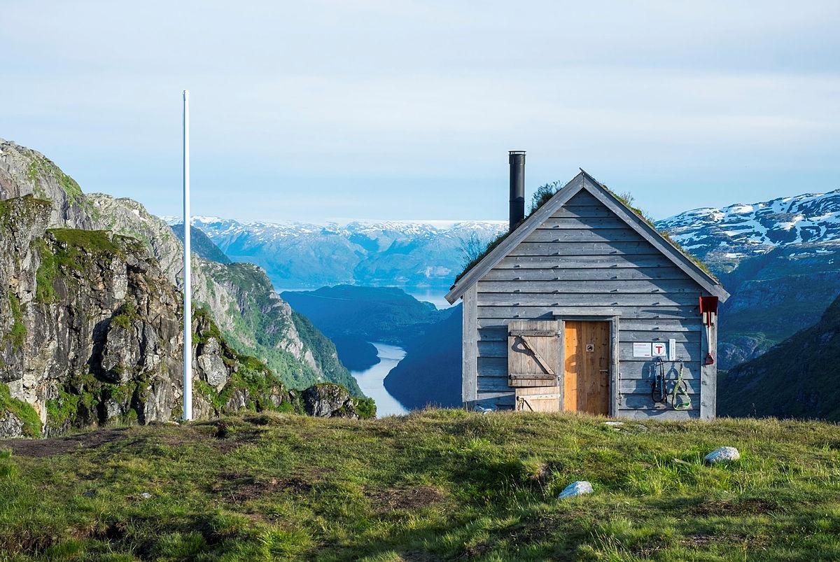 Femsengs LilleKiellandbu med den spektakulære utsikteniBergsdalen kapret 3.plassen i kategorien selv-/ubetjente hytter.