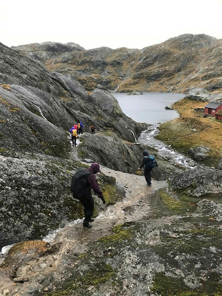 Sundagstur til Tvinnestølen med offisiell opning av den nye hytta.