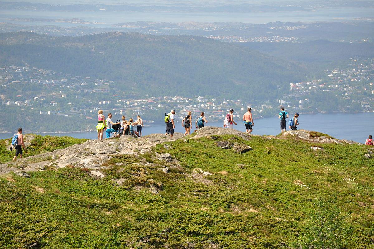 På vei fra Rundemanen mot Sandviksfjellet.