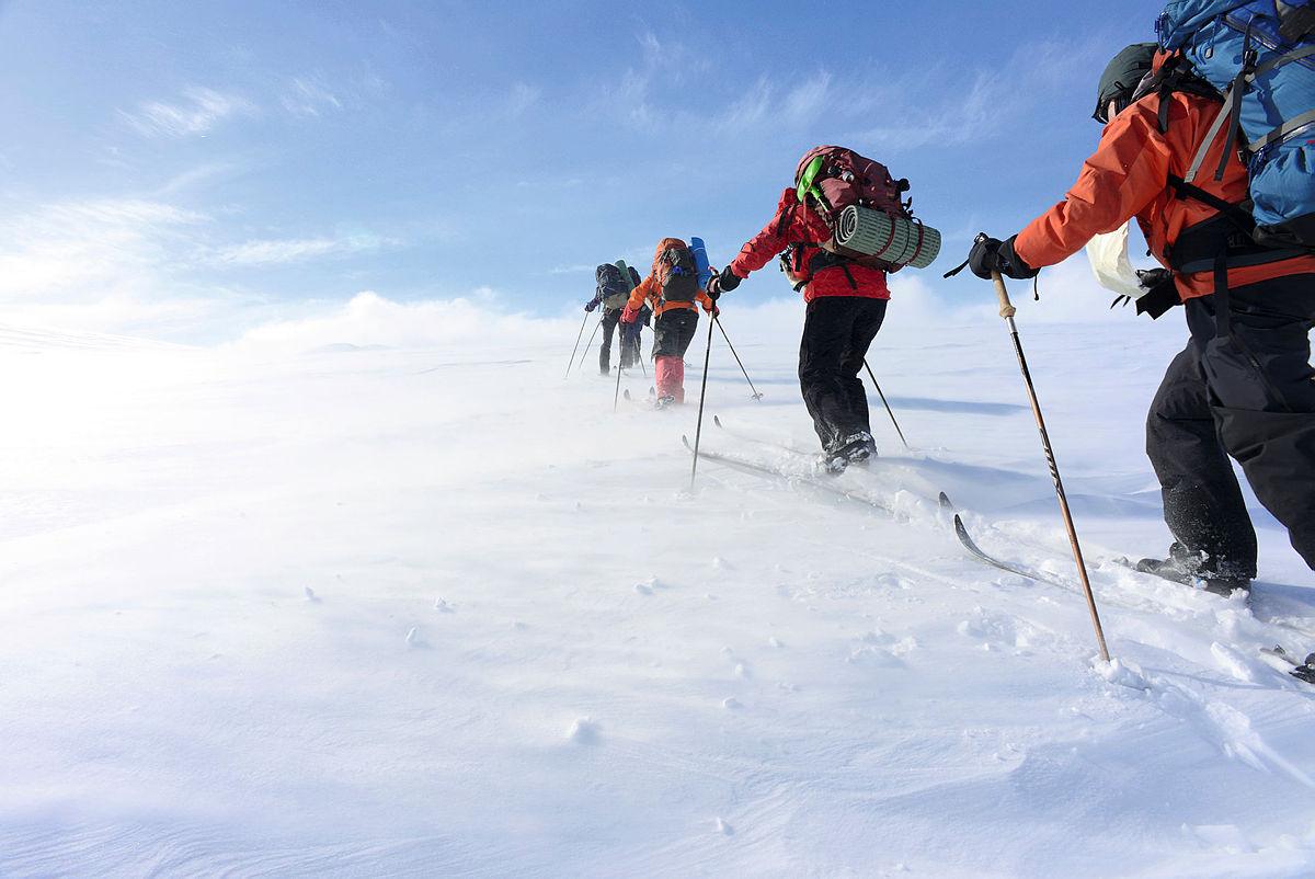 På vinterturen vil du lære om snø, vær og vind i vinterfjellet og vi skal sove i snøen