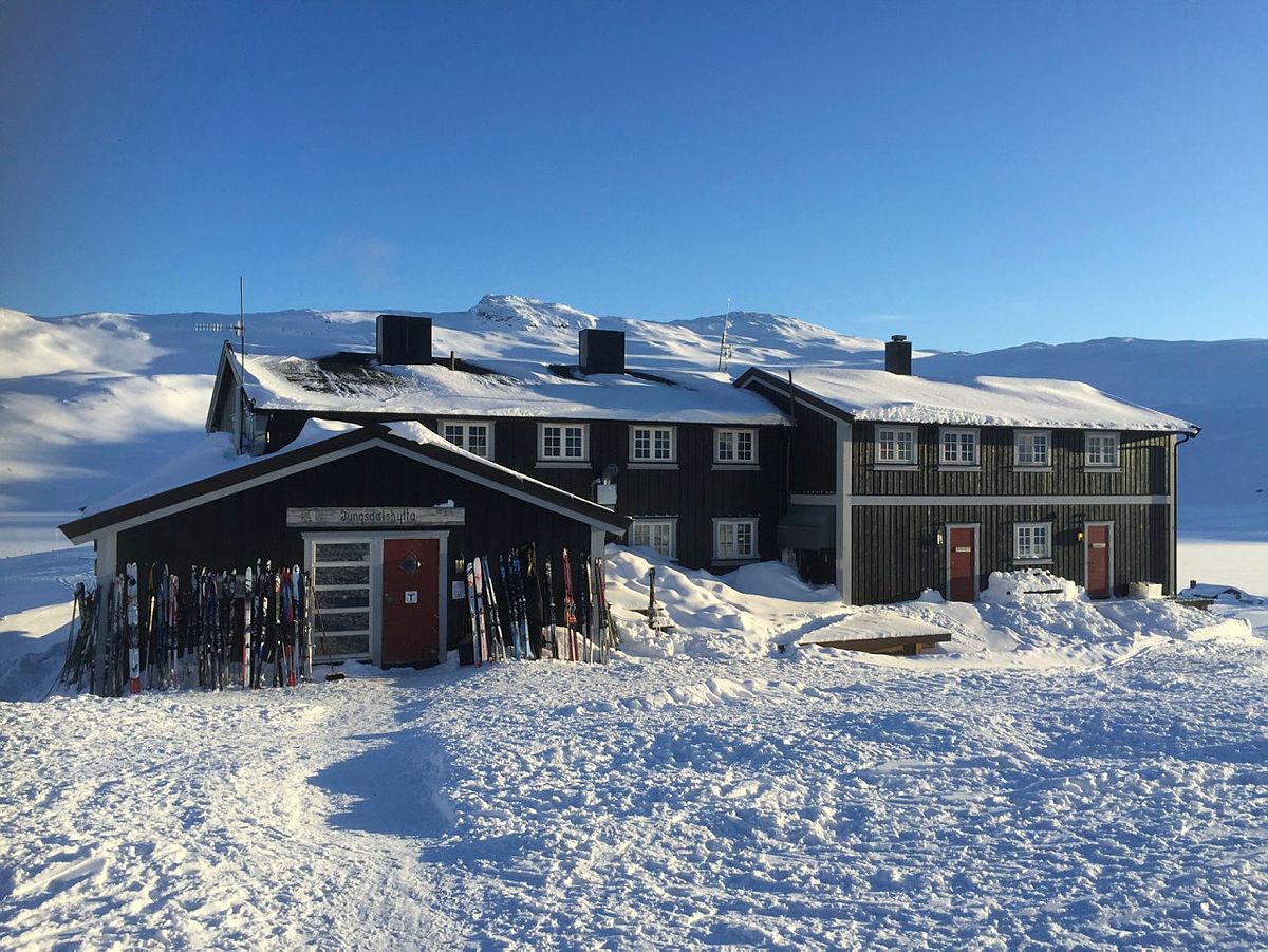 Bilder fra åpningen av mikrokraftverket i Iungsdalen.