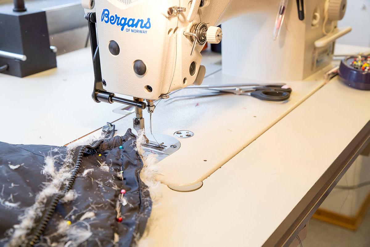 Bergans og DNT ung gjer det mogeleg for festivaldeltakarar å fikse og redesigne klede. Små rift, dragarar på glidelåser, og andre små reparasjonar er det mogeleg å få gjort noko med. Dunjakka derimot, den bør sendast inn til reparasjon hjå Bergans.