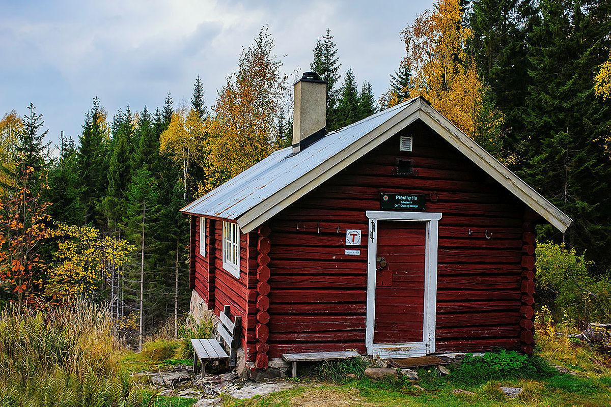 En høsttur til Presthytta på Krokskogen anbefales.