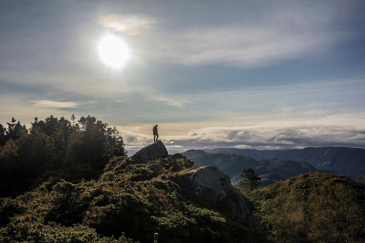 I tiden fremover oppfordrer vi til å utforske nærmiljøet. Gå inn på ut.no og finn aktuelle turer der.