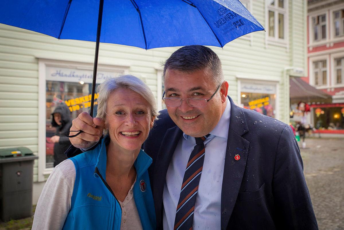 God stemning, men krystallklart budskap, når Helene Ødven treffer olje- og energiminister Kjell-Børge Freiberg.