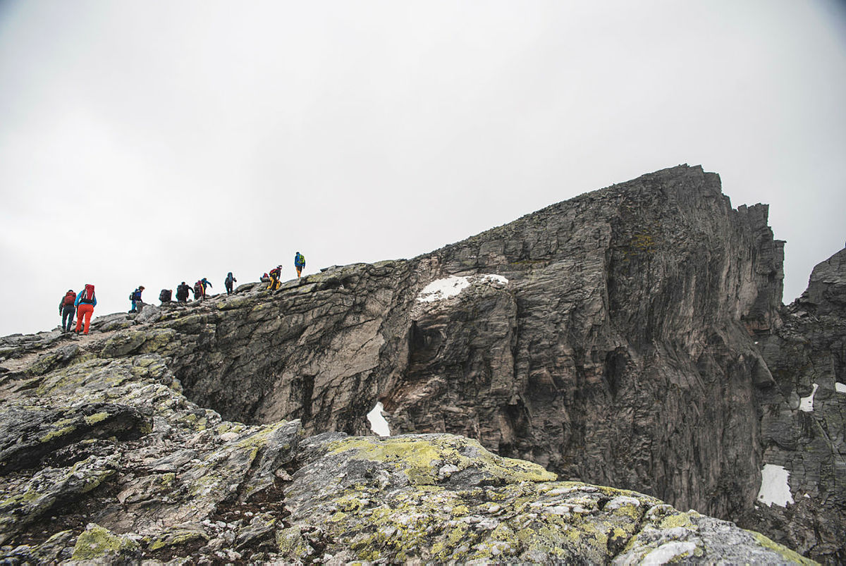 På tur opp til toppen - før tåka kom i retur.