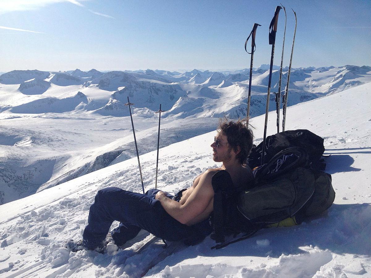 bilder av meg og min bror Henning på toppen av Glittertind fredag 2. marseirikro@halden.net