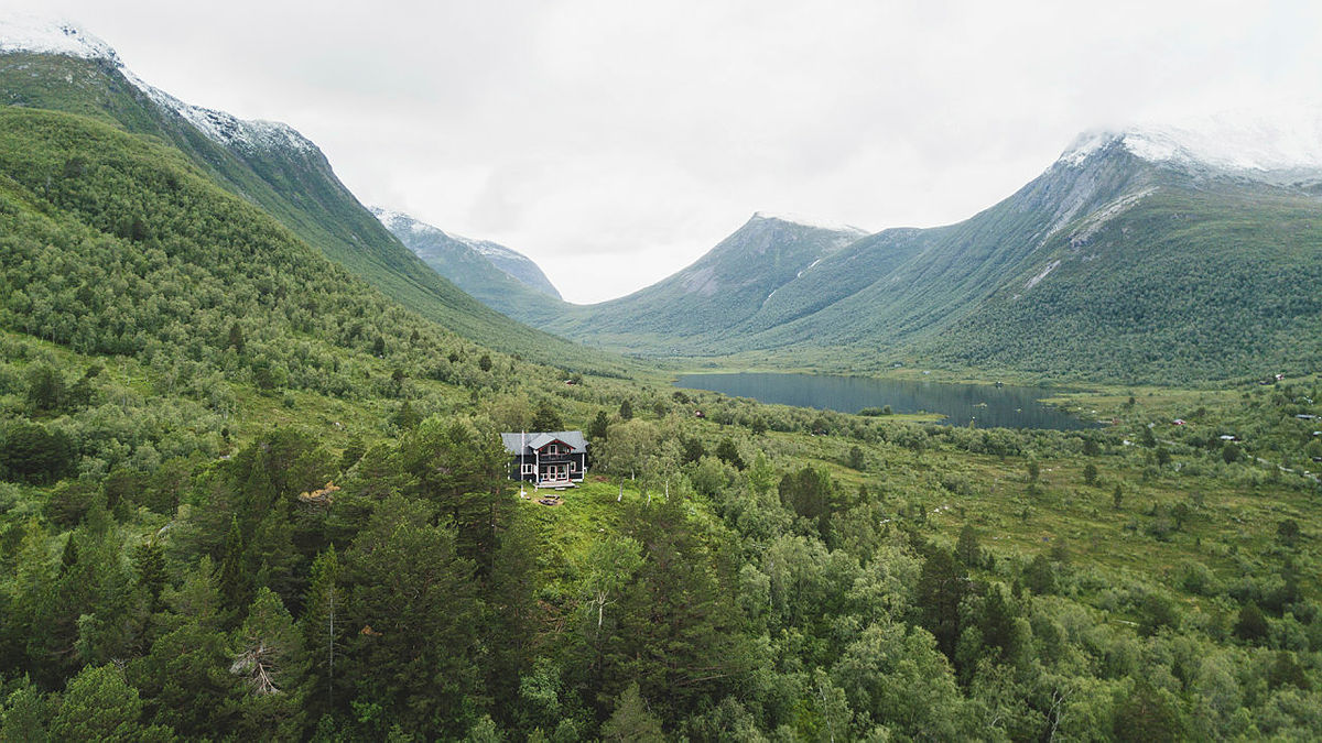 Skorgedalsbu, Romsdalen