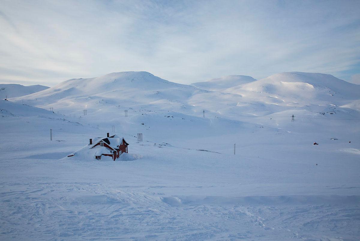 Snøen er kommet på Hallingskeid!