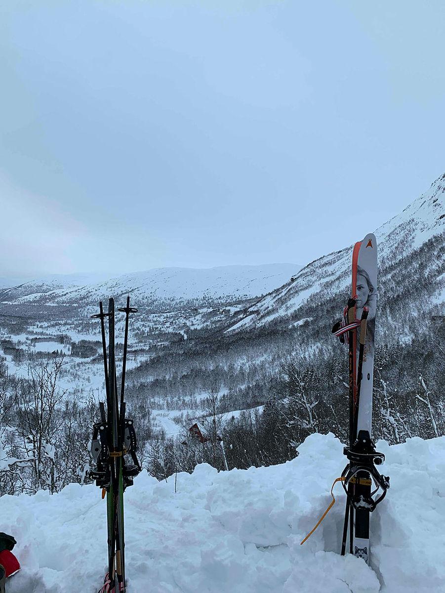 Store mengder snø på Hallingskeid