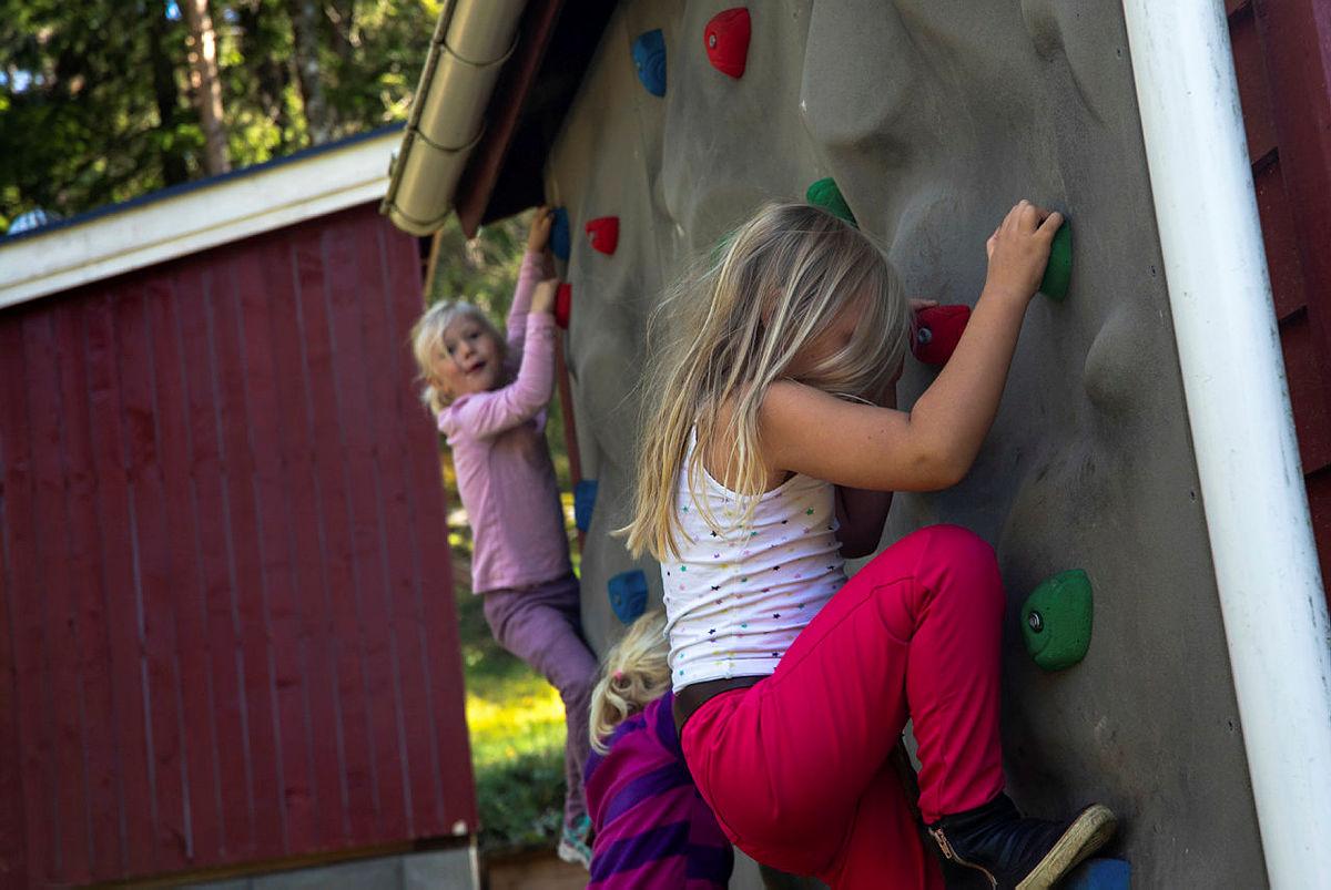 Teste klatreveggen på Dølerud i Østmarka.