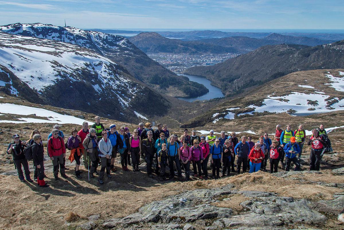 Byfjellstrimmen skal gå 150 turer i 2018 for å markere Turistforeningens 150-årsjubileum. Her er de på Vidden.