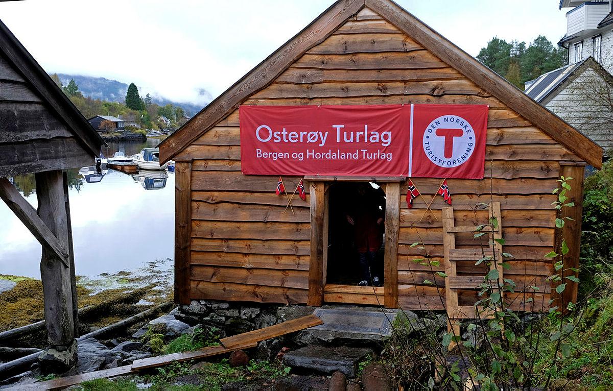 Åpning av kajakknaust på Osterøy, 5. oktober 2017.