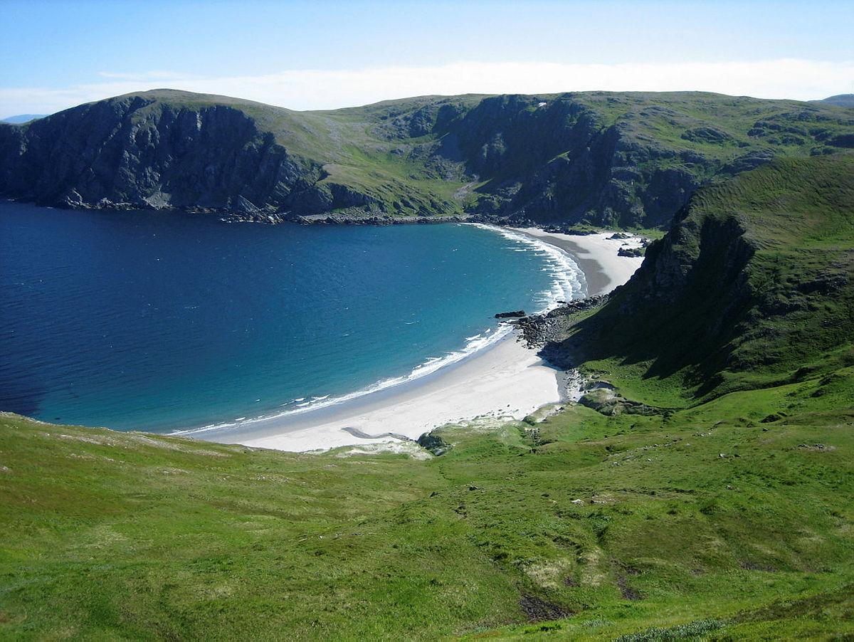 "Sørøya kalles gjerne for ""den grønne øya i nord""."