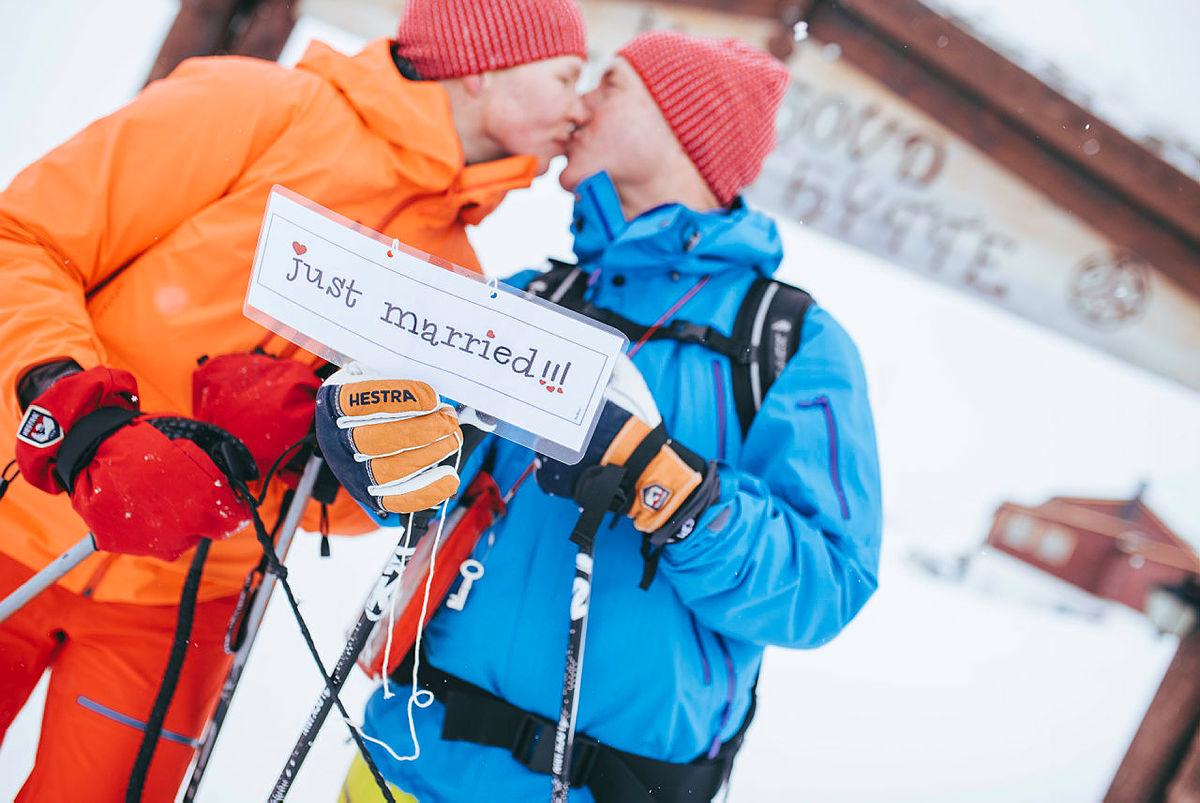 Fra bryllup på Hardangervidda.