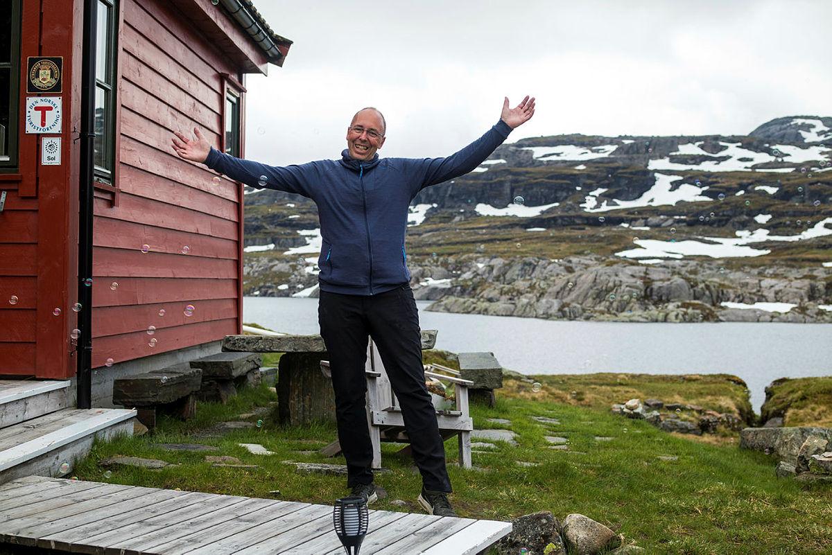 John Anton Nilsen, bestyrer på Stranddalen turisthytte, gleder seg til å ta i mot og bli inspirert av mesterkokk Halvar Ellingsen.