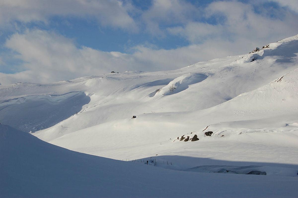 Vakkert vinterlandskap rundt Tomannsbu.