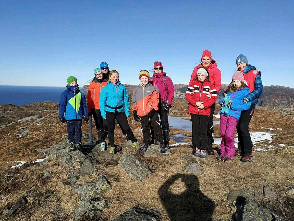 Gjengen samla på Nibbefjellet