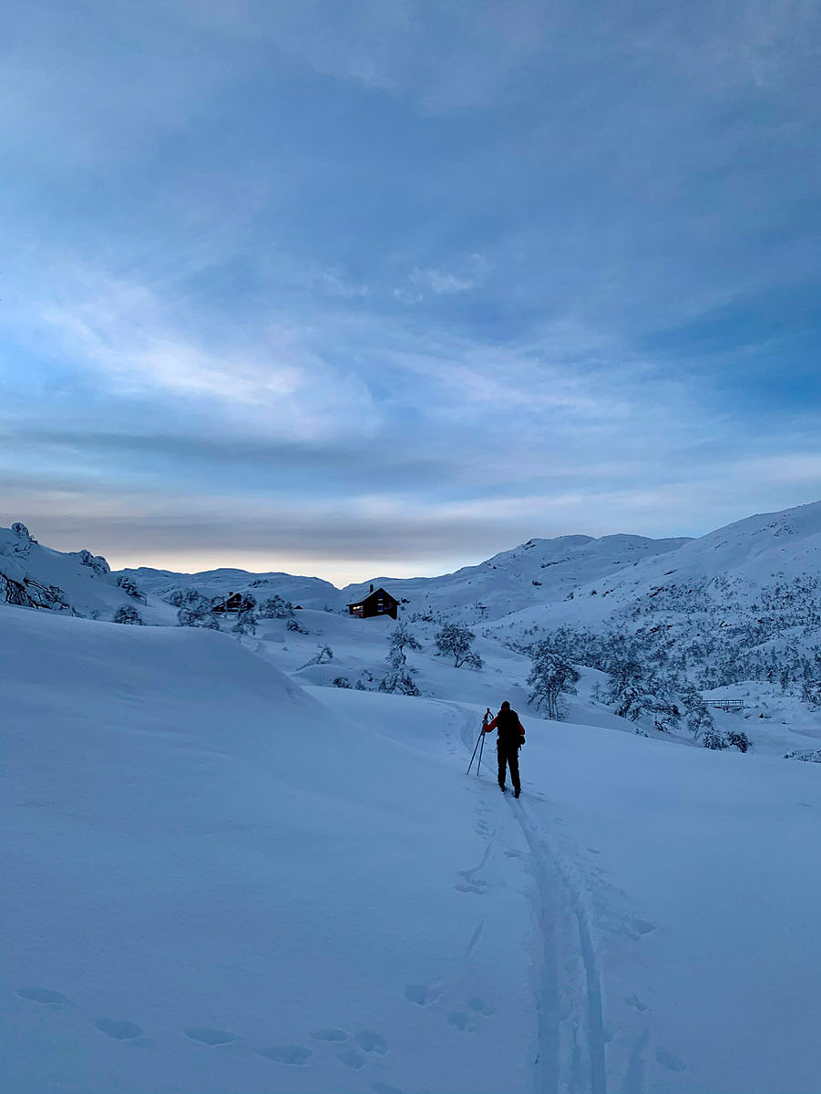BLÅFJELLENDEN: Idylliske Blåfjellenden i sikte etter en flott skitur inn fra Høgaleite.