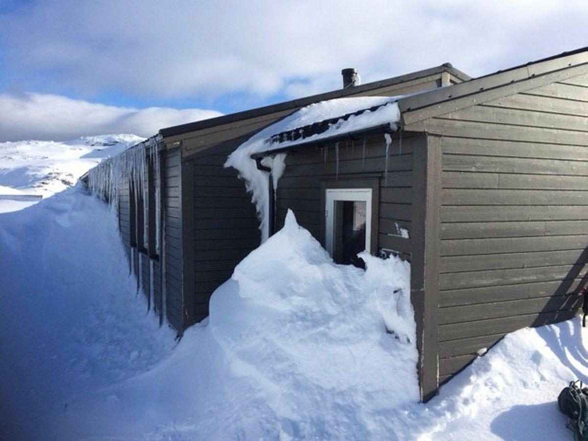 Torfinnsheim: Ved og brannsløkkingsapparat på plass