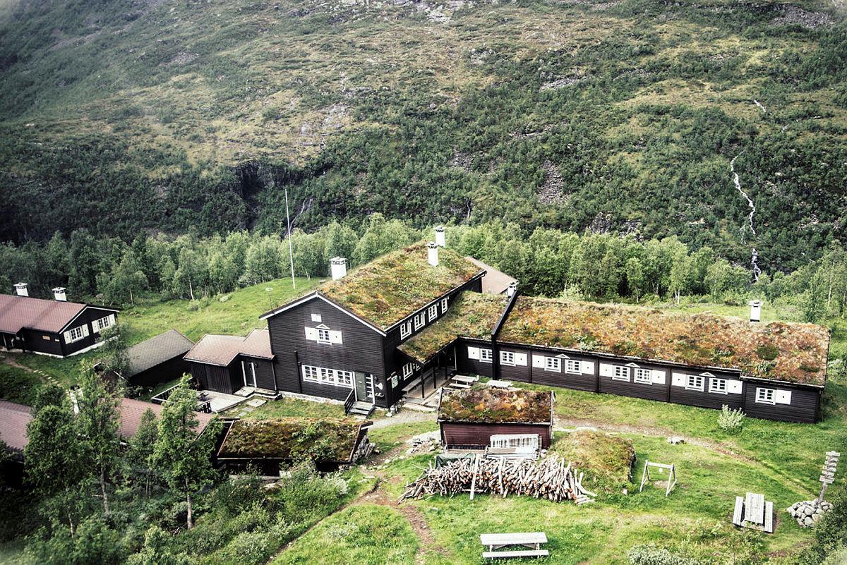 Skogadalsbøen Turisthytte i Jotunheimen.