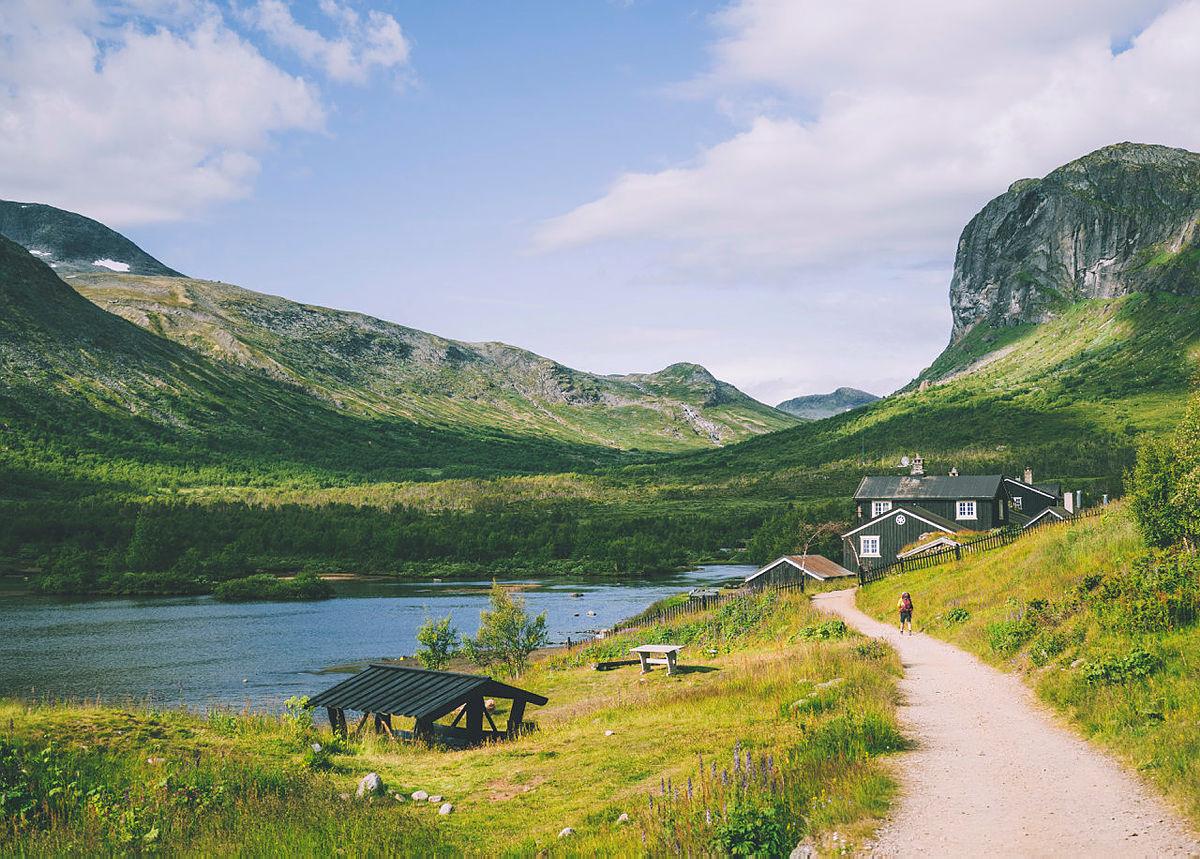 Norgesferie? Velg en historisk vandrerute
