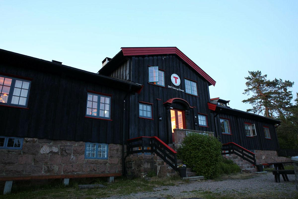 Kobberhaughytta ligger høyt og fint i Nordmarka.