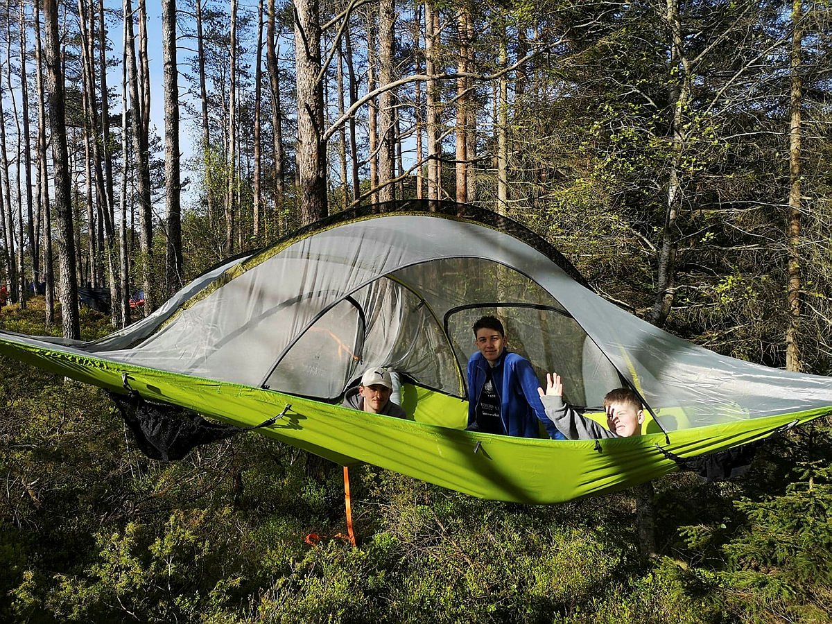 Treteltovernatting i Alvøskogen