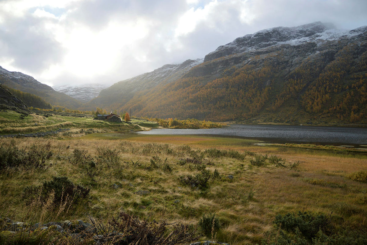 Gården Urvik ved Aurdalsvatnet i Aurlandsdalen.