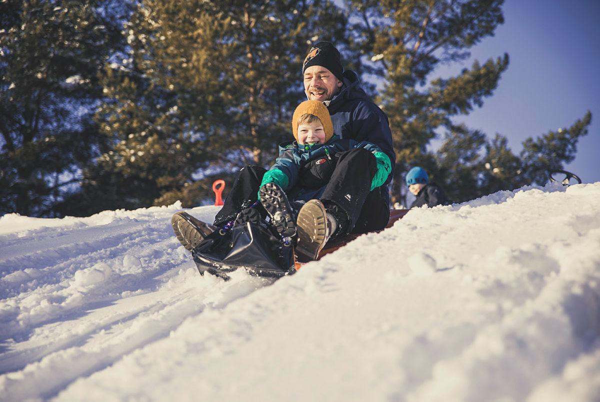 Hva med en tur ut i akebakken i vinterferien? (Her fra Kom deg ut-dagen på Furuset)