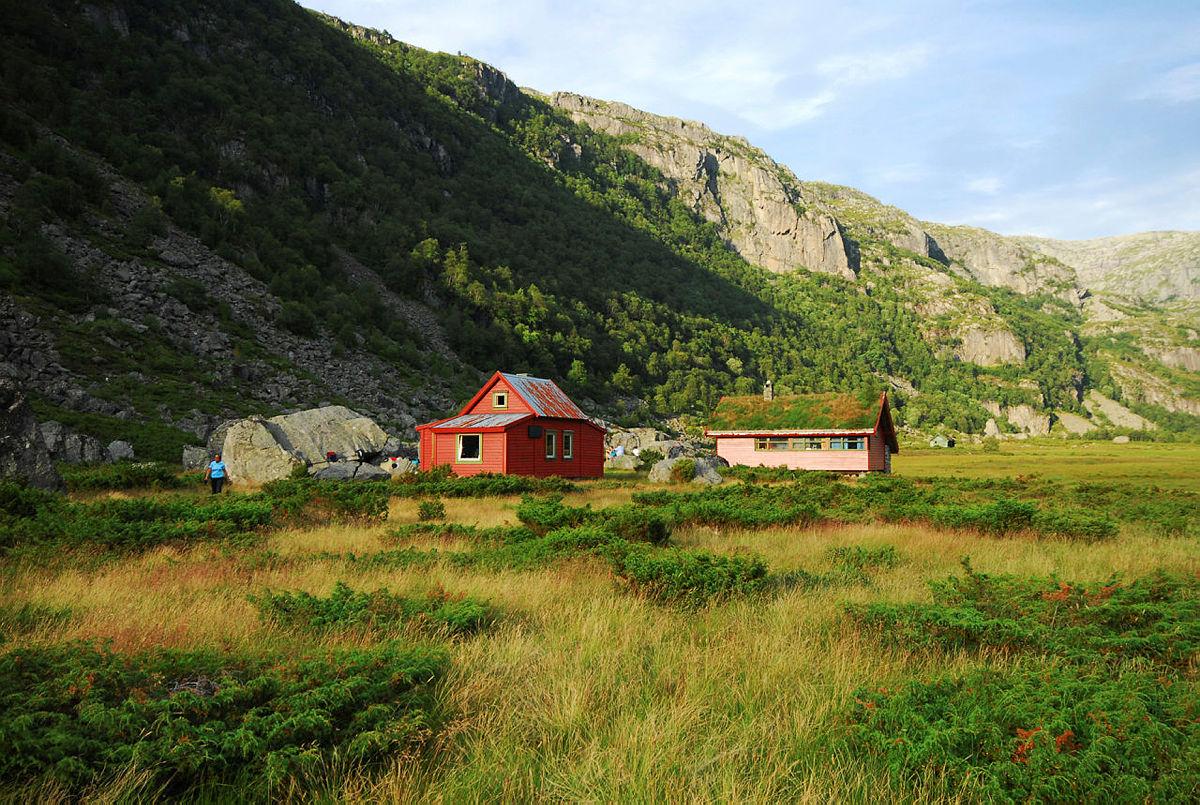 Den nye hytta vil ligge 100 meter fra de eksisterende bygningene, og bli et flott supplement til miljøet innerst i Viglesdalen.