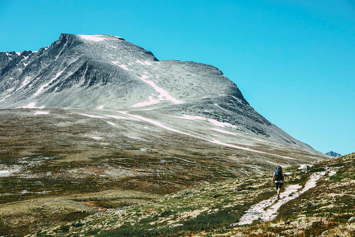 Rondeslottet sett fra Langglupdalen
