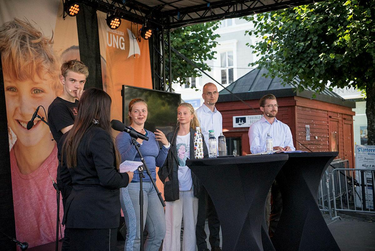 """Nestleder i DNT ung, Anna Nes, i debatt under Arendalsuka. """"Kan unge redde miljøet?"""""""