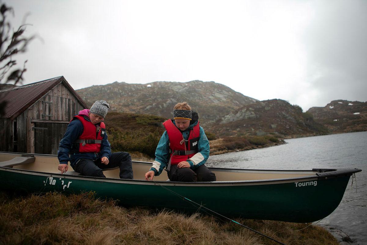 Nordmarka på langs med kano i September. Her er vi på finntjern som er den korteste padle etappen på turen.