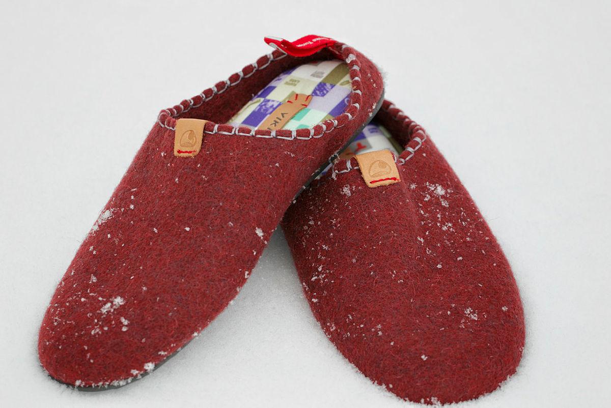 Disse tøflene er nydelige å ta på nå du kommer frem til hytta