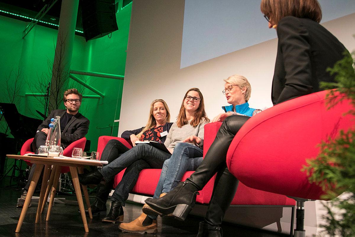 Debatt mellom Daneil Heggelund (H), Nina Jensen (WWF), Solveig Schytz (V) og Helene Ødven (DNT)