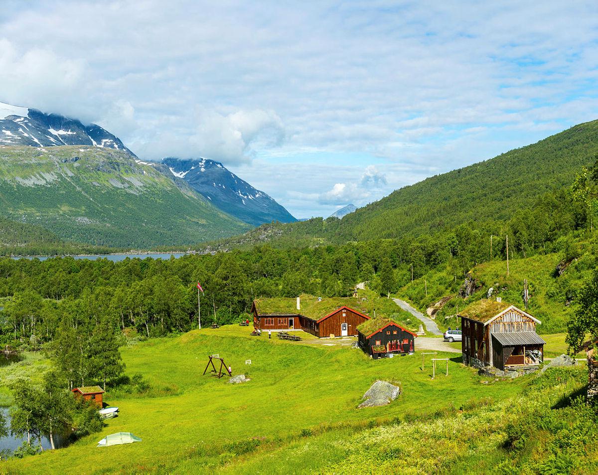 InnerdalshyttaiTrollheimen tok 2. plass, selv-/ubetjente hytter. Hytta har historie tilbake til 1983.