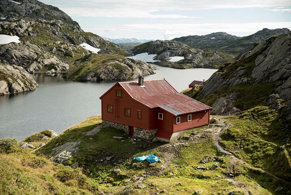 Høgabu, Bergsdalen