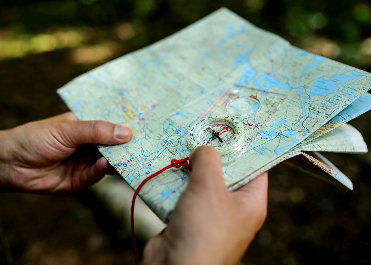 På ferskingkurs lærer du om kart og kompass, blant annet.