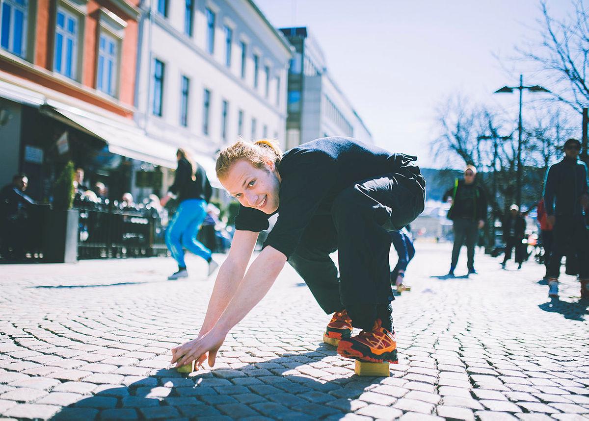 Full aktivitet med hæljrace i Drammen sentrum før DNT ungs landsmøte i 2018.