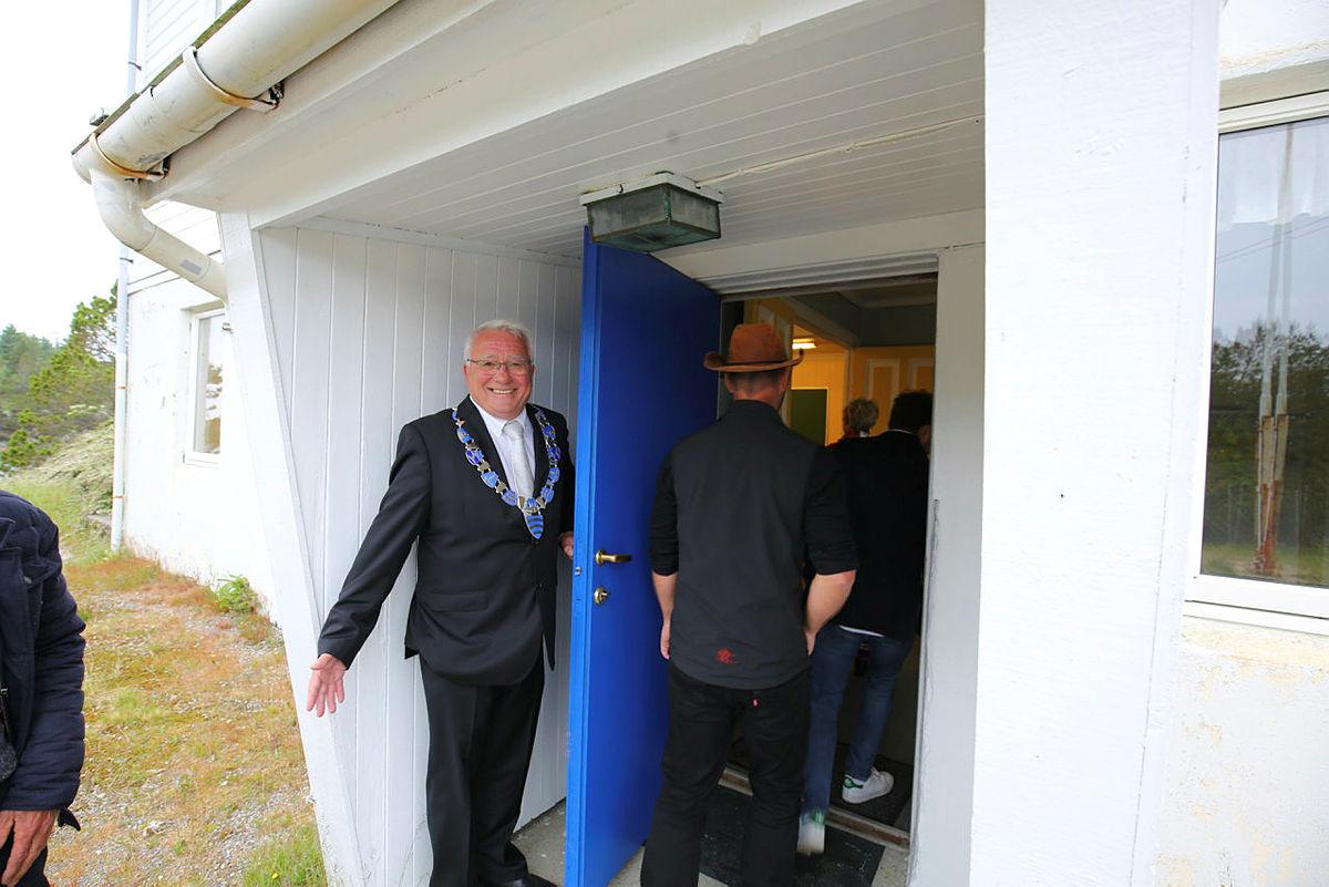 Per Lerøy ønsker Turlaget velkommen til Rongevær.