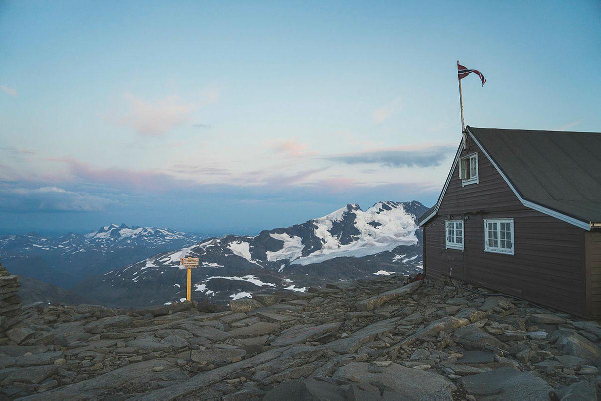 Monsen minutt for minutt i Jotunheimen. Fannaråken og Skogadalsbøen, Utladalen.