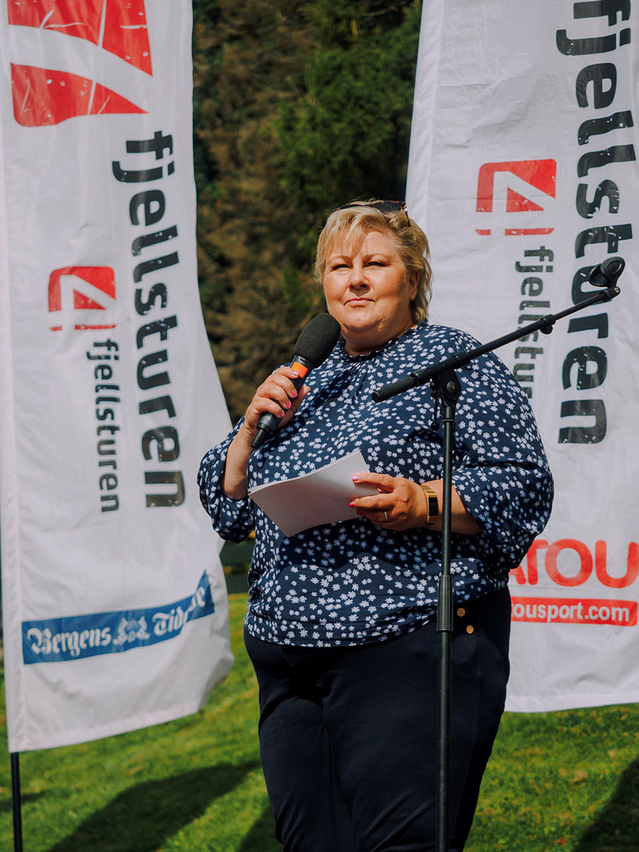 7-fjellsturen får besøk av statsministeren Erna Solberg 2021