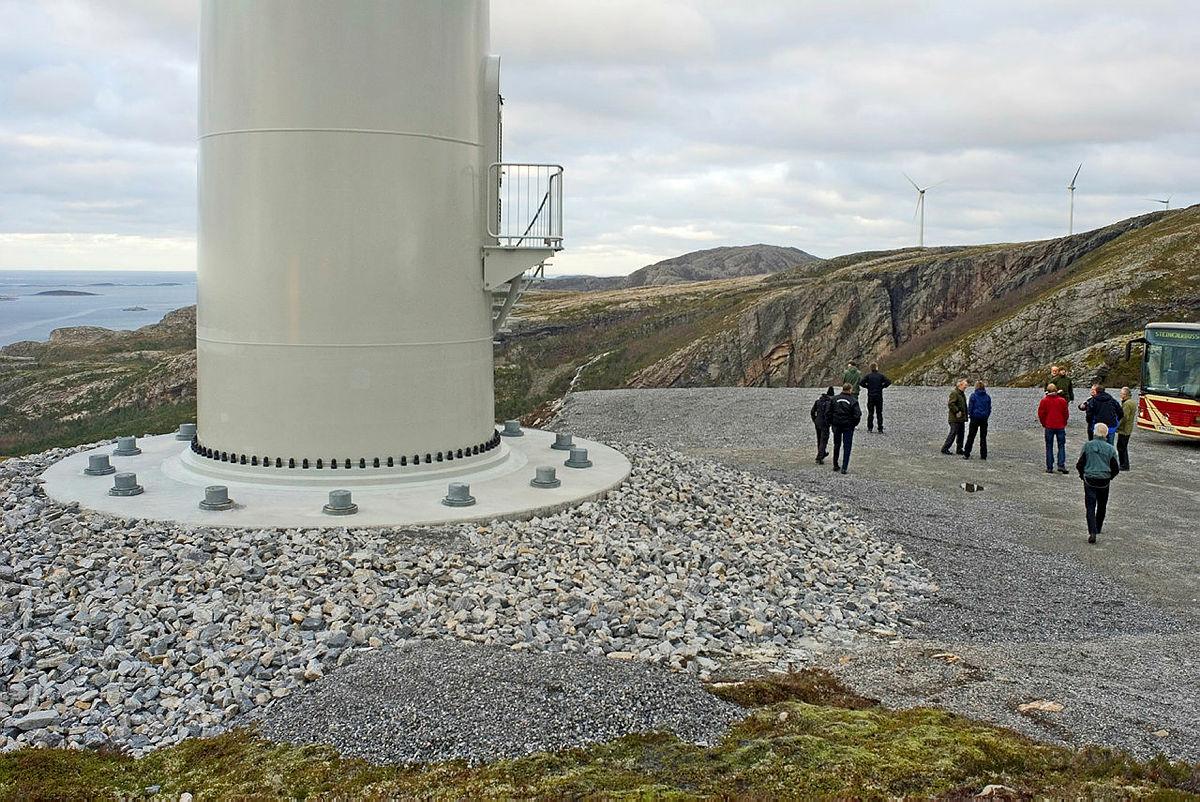 Vindkraftverk skaper varige sår i naturen og beslaglegger svært store naturområder.