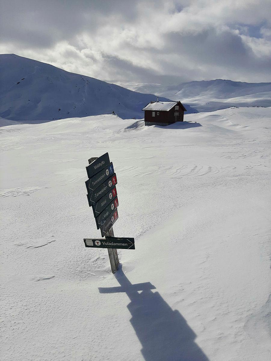 Lite snø ved Volahytta