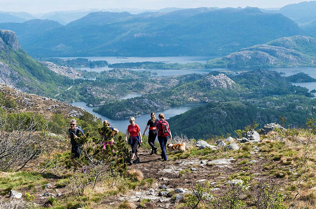 Tur til Mattirudla med utsikt over Lutsivatn.