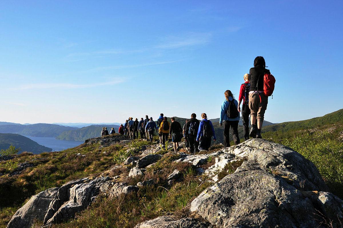 Vi inviterer flest mulig til å bli med på den virtuelle gåturen til Finsehytta. Her fra den analoge Byfjellstrimmen i Bergen.