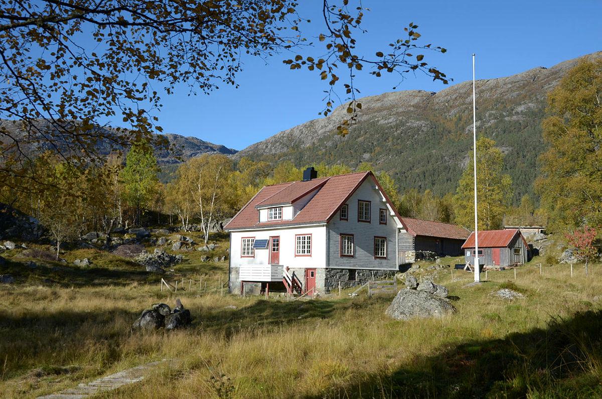 Bakken gård i Lysefjorden
