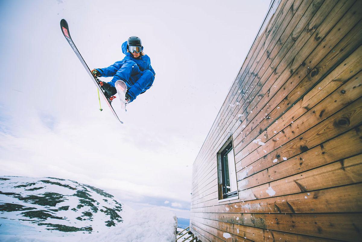 Anders Backe tok omgivelsene i bruk for en kul helg på DNT-hytta.