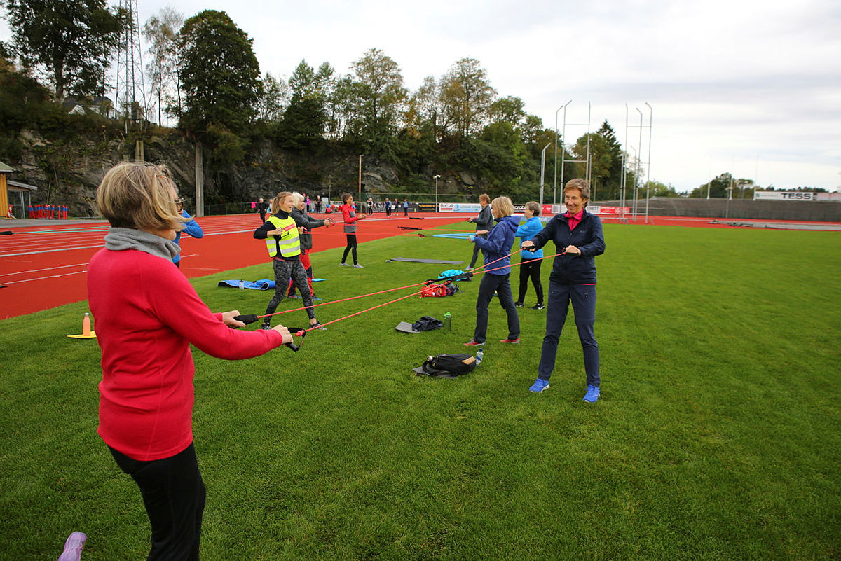Friluftstrimmen 60+ på trening på Fana Stadion, 1. oktober 2020.